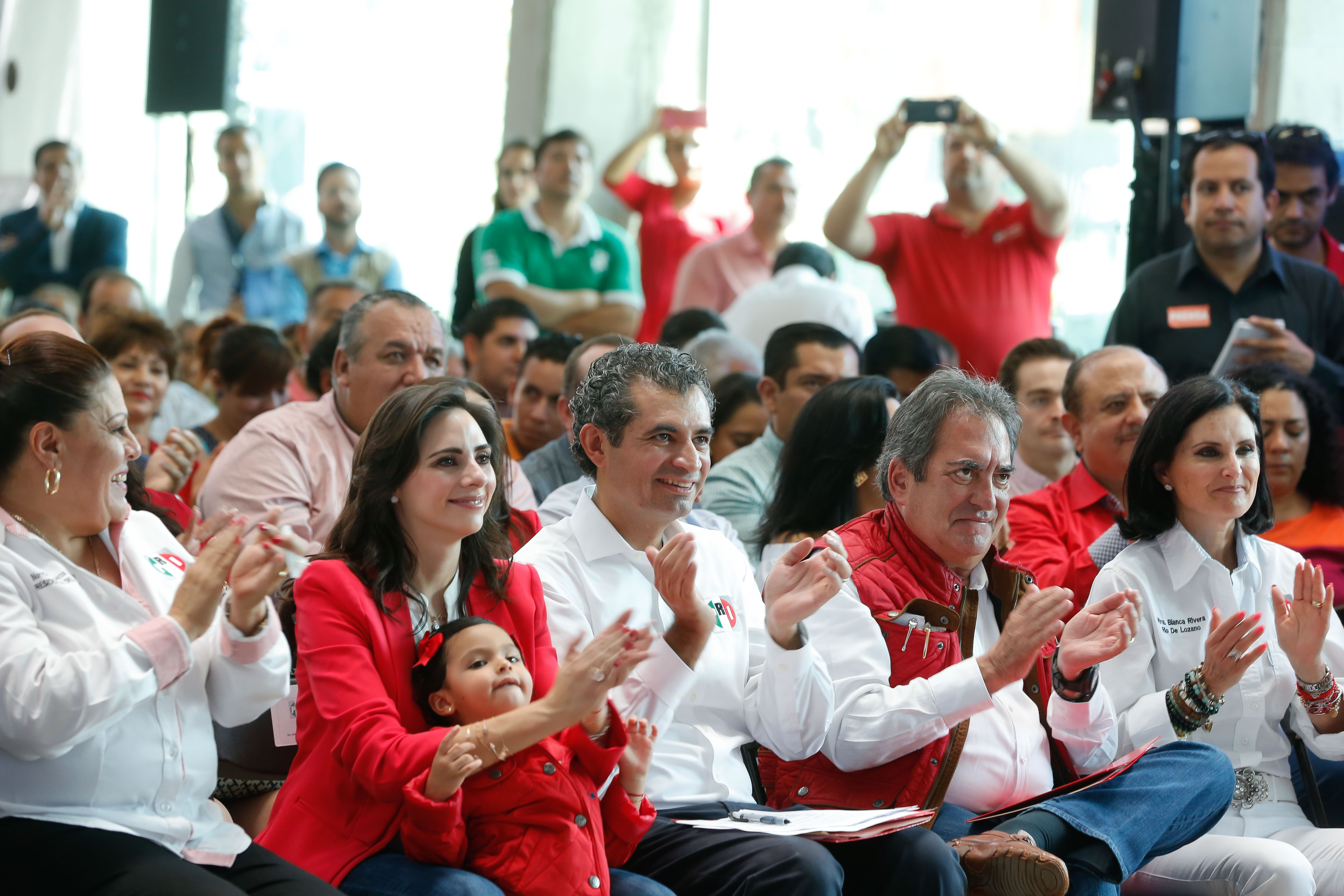 Dr. Enrique Ochoa Reza, en el encuentro con militancia, realizado en Aguascalientes