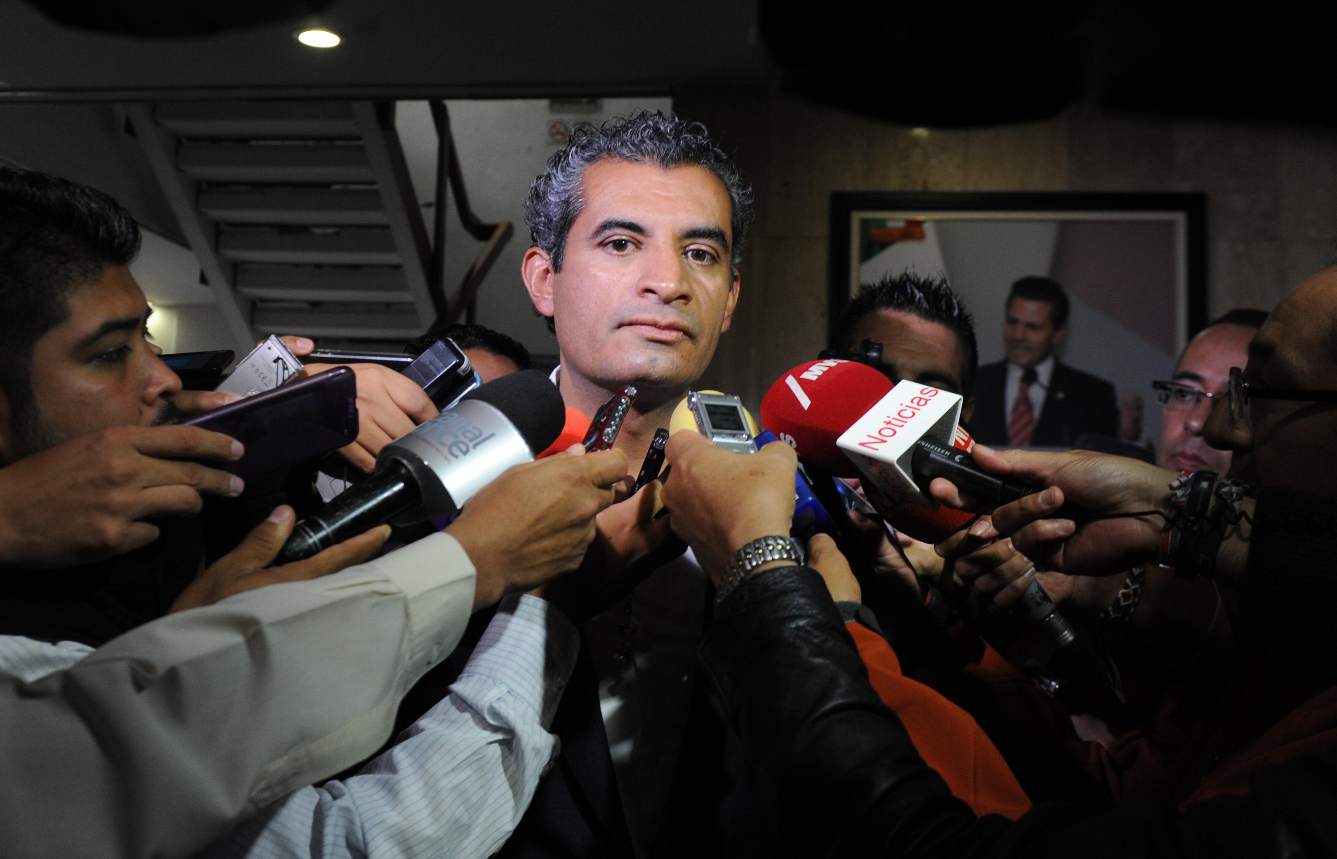 ENTREVISTA AL DR. ENRIQUE OCHOA REZA, REALIZADA EN LA SEDE NACIONAL DEL TRICOLOR