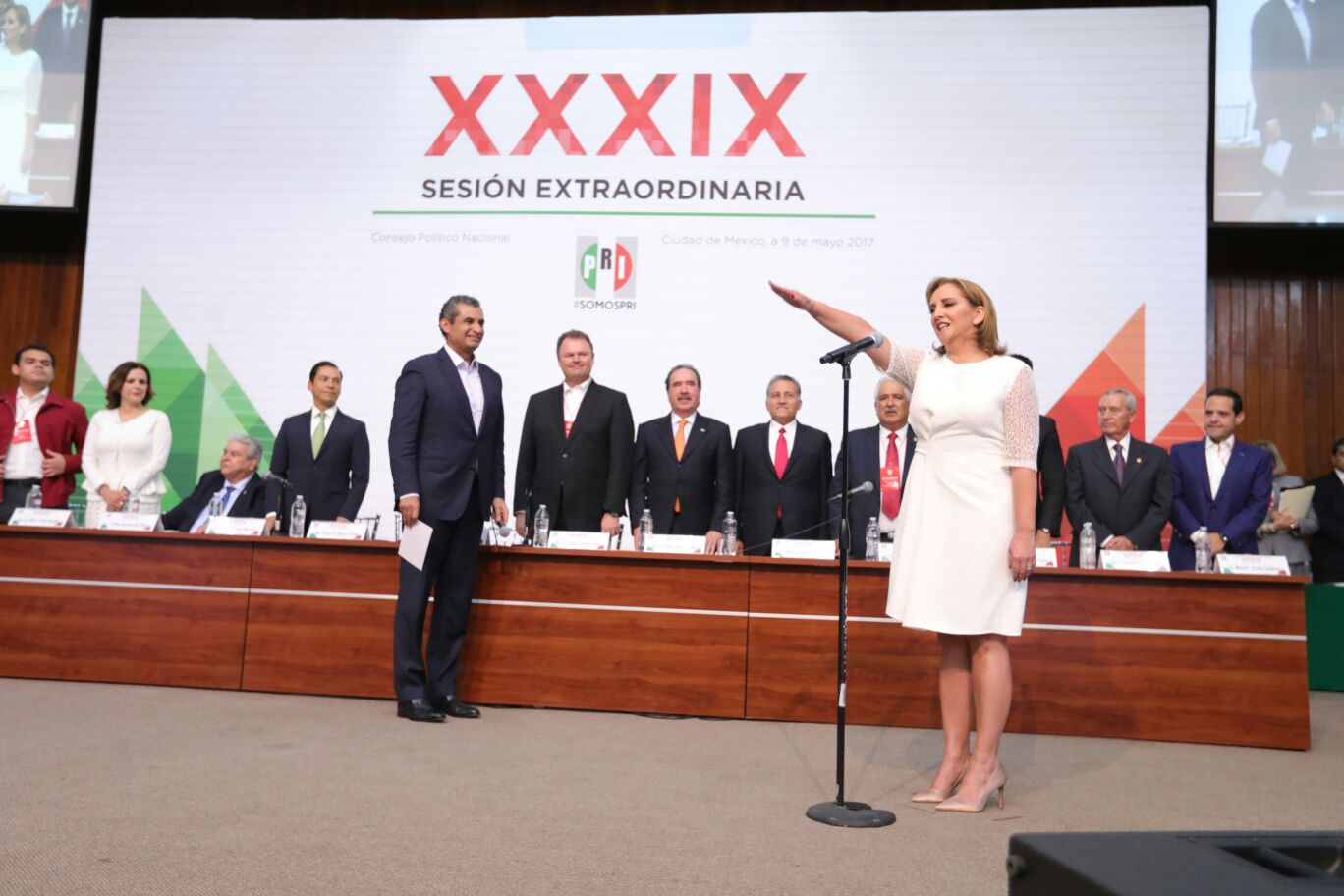 RINDE PROTESTA CLAUDIA RUIZ MASSIEU COMO SECRETARIA GENERAL DEL CEN DEL PRI