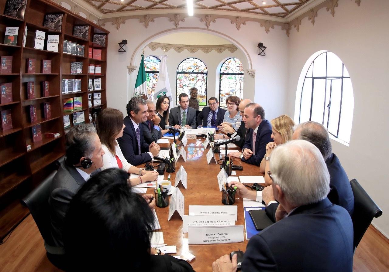 Dialoga PRI con Parlamento Europeo sobre migración, acuerdos nacionales y populismo