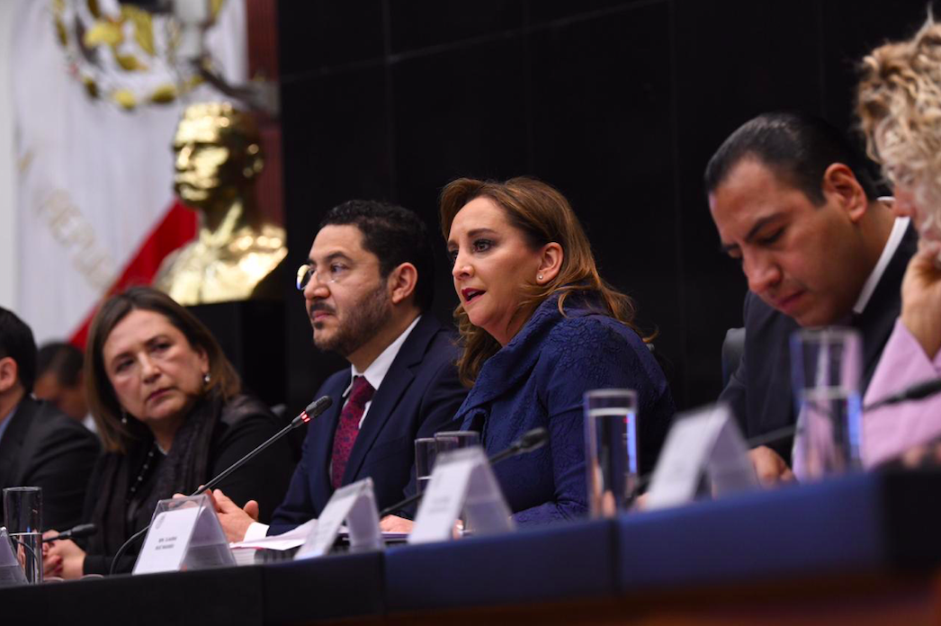 """MENSAJE DE LA SENADORA CLAUDIA RUIZ MASSIEU EN LA CEREMONIA DE INAUGURACIÓN DE LA AUDIENCIA PÚBLICA """"CONSTITUCIONALIDAD Y CONVENCIONALIDAD""""."""