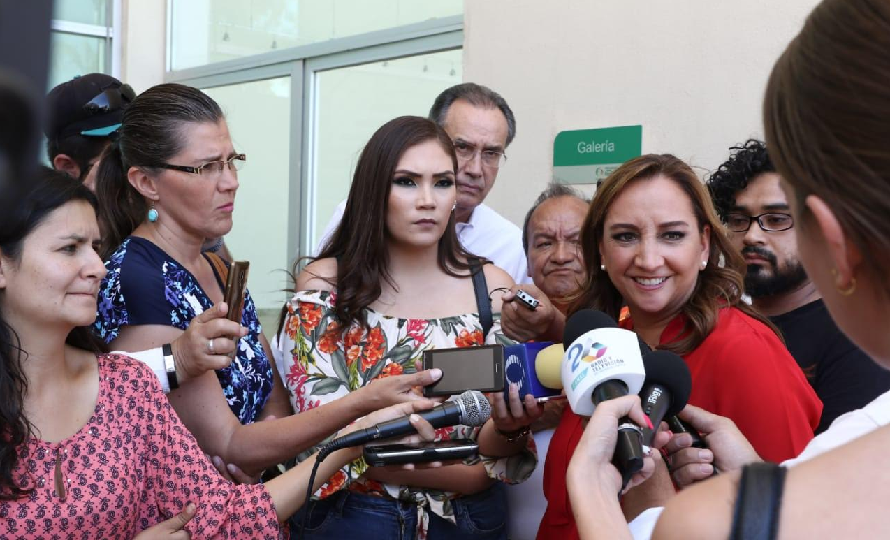 ENTREVISTA A CLAUDIA RUIZ MASSIEU, PREVIA AL ENCUENTRO CON ESTRUCTURAS PRIISTAS EN AGUASCALIENTES