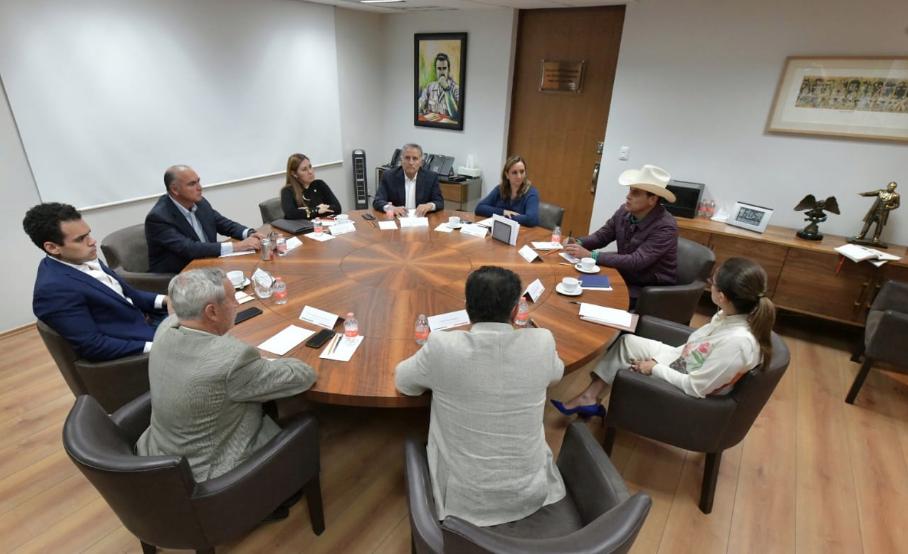 CIERRAN FILAS SECTORES Y ORGANIZACIONES CON EL CEN DEL PRI EN TORNO A SU RENOVACIÓN.