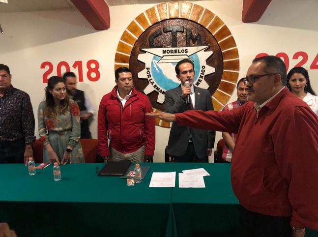 RICARDO AGUILAR CASTILLO DIO POSESIÓN A JOSUÉ CIRINO VALDÉS HUEZO COMO PRESIDENTE PROVISIONAL DEL CDE EN MORELOS.