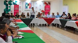 """Instalan y caoacitan a """"Red de Emprendedores Sociales"""" del PRI Nayarit."""