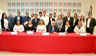 Motiva Ernesto De Lucas a nueva dirigencia de Fundación Colosio en Hermosillo.
