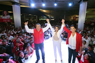 Manlio Fabio Beltrones, en la toma de protesta de Blanca Alcalá  Ruiz como candidata del PRI a la gubernatura de Puebla