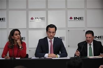 Conferencia de prensa de los representantes de José Antonio Meade ante el INE
