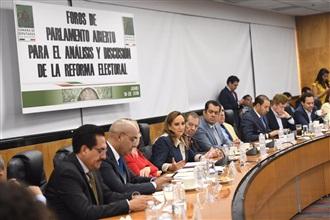 Claudia Ruiz Massieu, durante los Foros de Parlamento Abierto para el Análisis y Discusión de la Reforma Electoral
