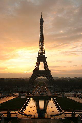La torre Eiffel hoy cumple 131 años
