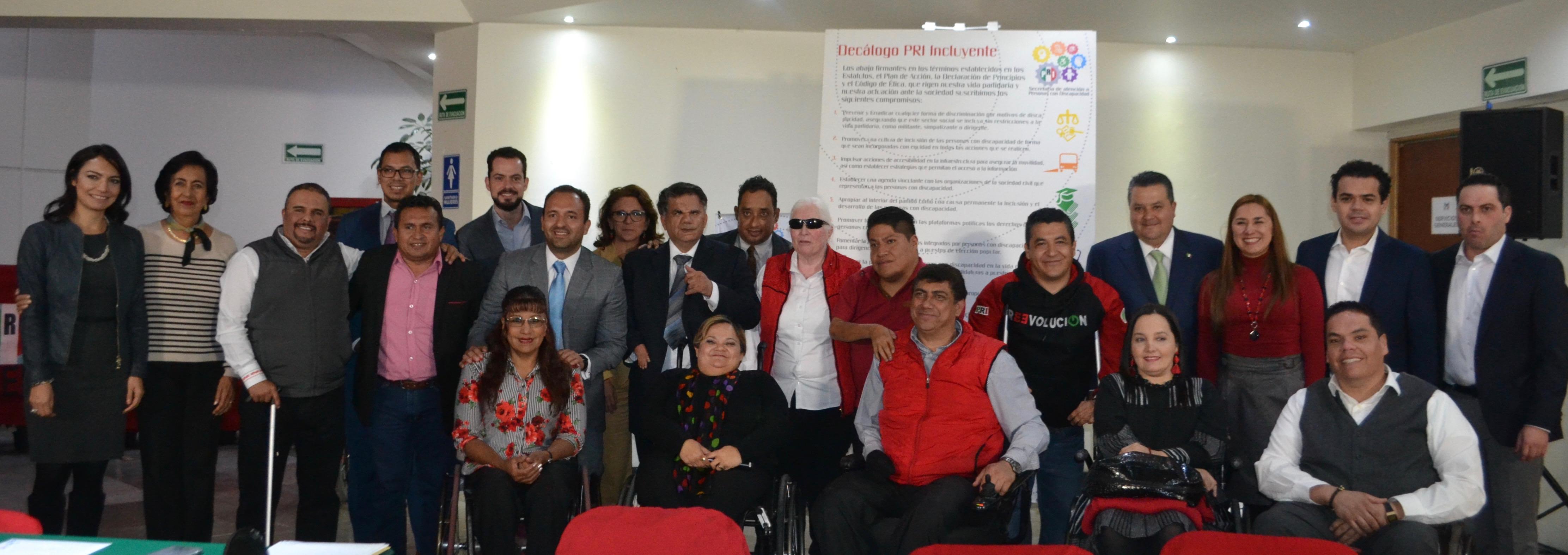 Firma del Decálogo por la inclusión