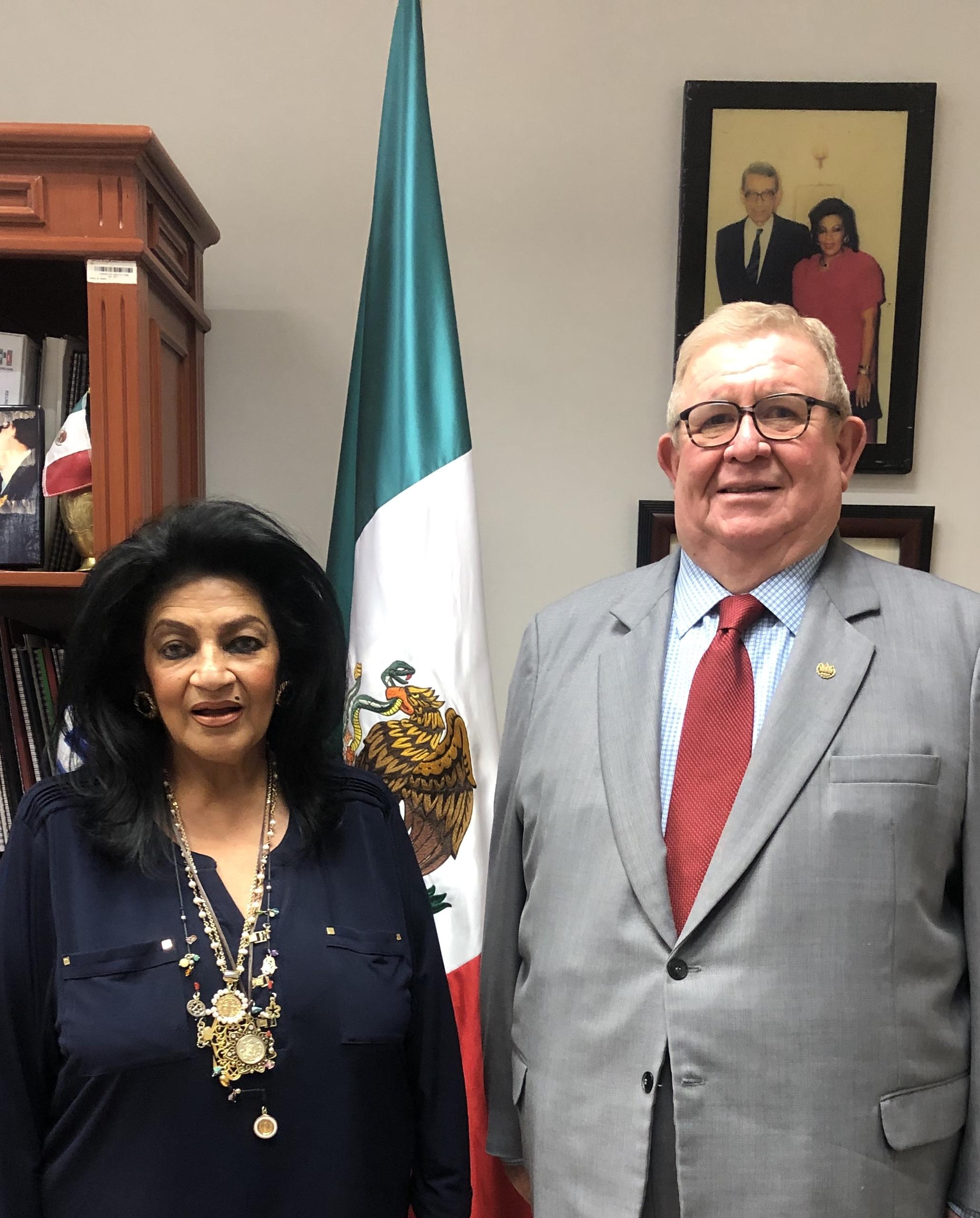 VISITA DEL EMBAJADOR DE EL SALVADOR A LA SECRETARÍA DE ASUNTOS INTERNACIONALES.