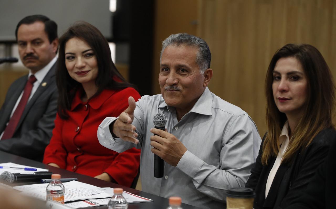 Tumbos y errores del nuevo gobierno impactan severamente la economía familiar: Arturo Zamora.
