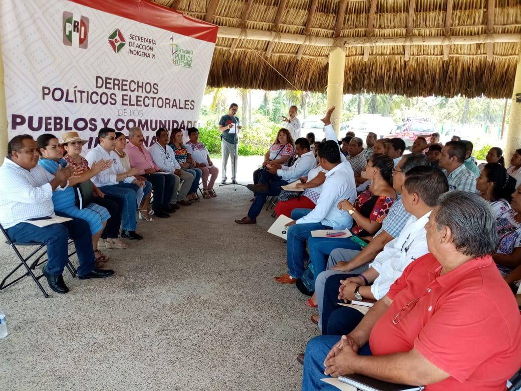 TALLER SOBRE DERECHOS POLÍTICOS ELECTORALES DE LOS PUEBLOS Y COMUNIDADES INDÍGENAS Y AFROMEXICANOS EN MARQUELIA GUERRERO.