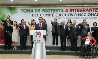 PRESIDENTE OCHOA TOMA PROTESTA A LA NUEVA DIRIGENCIA DEL CEN DEL PRI