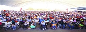 Entrega Manolo Jiménez 3 mil apoyos a adultos mayores  y personas con discapacidad de Saltillo width=