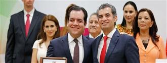 SENADOR ROBERTO ARMANDO ALBORES GLEASON, SECRETARIO DE GESTIÓN SOCIAL DEL COMITÉ EJECUTIVO NACIONAL width=