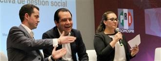 El Sen. Roberto Albores Gleason, Secretario de Gestión Social del CEN del PRI, expone la estrategia pro ac... width=