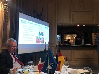 """Desayuno de la Fundación Konrad Adenauer con el tema """"La crisis democrática en Bolivia"""""""