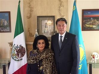 Visita al Embajador de Kazajistán en México.
