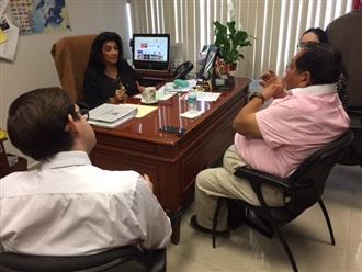 Visita a las oficias de la SAI del Sr. Guillermo Gattes, integrante del Comité Internacional del Partido APRA de Perú.