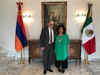 Visita al Embajador de Armenia en México.