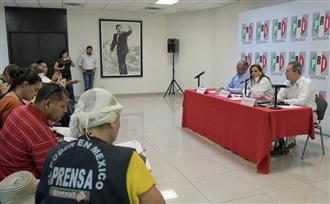 CONFERENCIA DE PRENSA DE LA MAESTRA CLAUDIA RUIZ MASSIEU, EN LAS INSTALACIONES DEL PRI SONORA