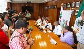 CONFERENCIA DE PRENSA CLAUDIA RUIZ MASSIEU, EN EL COMITÉ DIRECTIVO ESTATAL DE SAN LUIS POTOSÍ.