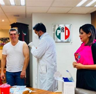 LANZA PRI CAMPAÑA DE VACUNACIÓN PARA MILITANTES