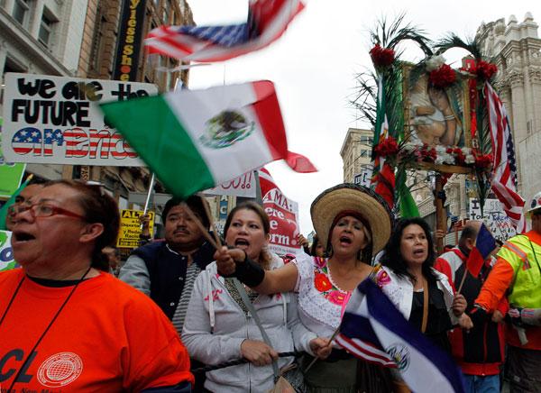 LOS MEXICANOS EN ESTADOS UNIDOS SON UN ELEMENTO IMPORTANTE PARA LA ECONOMÍA DE ESTADOS UNIDOS?