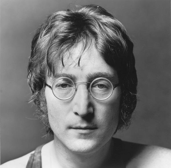 John Lennon, nacía un 09 de octubre?