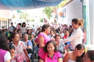 SE REÚNE MARICELA VELÁZQUEZ CON MUJERES DE CUERNAVACA